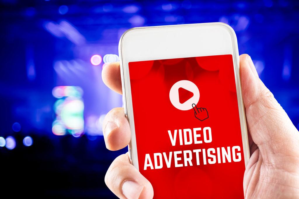 YouTube oglaševanje za vzbujanje zanimanja po vaših produktih in olajšanje nakupne odločitve.